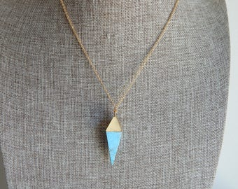 Turquoise point pendant necklace with gold chain, beach boho, layering necklace, boho style, summer jewelry, blue and gold