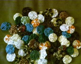 65 pc lot  HANDMADE fabric YO-YOS yoyos (item#395) sewing quilting craft supplies
