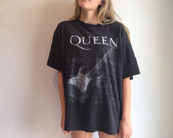 XL Vintage Queen Tshirt