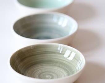 Four porcelain bowls 18-242