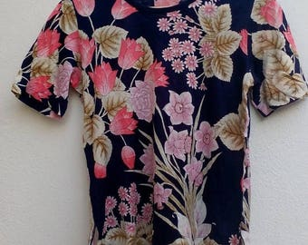 ON SALE 4 Vintage 90s Floral full print psychedelic sun tokyo t-shirt