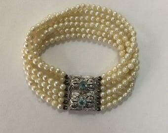 Vintage pearl bracelet with aquamarine and diamonds