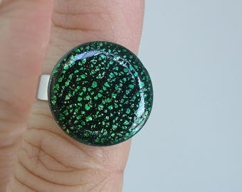 ring round cabochon tone metallic green fimo polymer clay