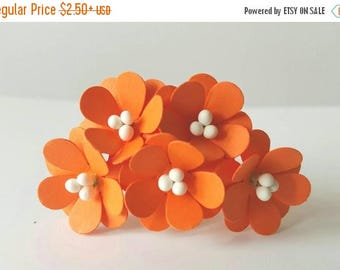 30% OFF 20mm orange paper poppies / orange paper flowers with white stamen / orange paper flowers / paper flowers with stems
