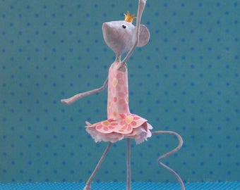 Sculpture souris danseuse étoile en papier mâché, petit rat de l'opéra, petite souris danseuse, cadeau pour elle, cadeau pour danseuse, ooak