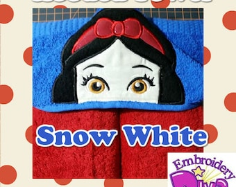"""Personalised Hooded Towel  """"Snow White"""" add name FREE"""