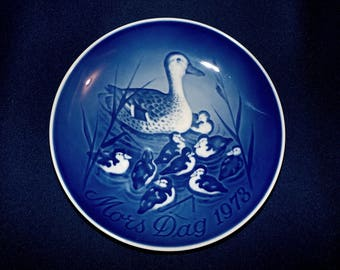 Vintage 1973 Bing and Grondahl, B&G Mothers Day Plate,  Mors Tag, Duck and Ducklings, Made in Denmark
