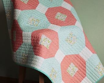 Patchwork quilt - modern baby quilt - baby quilt - baby shower - baby blanket - patchwork baby blanket - baby gift - cotton blanket