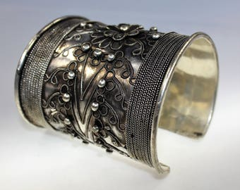 Miao Bracelet, Vintage Hmong Traditional Chinese Tribal Silver Bracelet, Ethnic Asian Jewelry