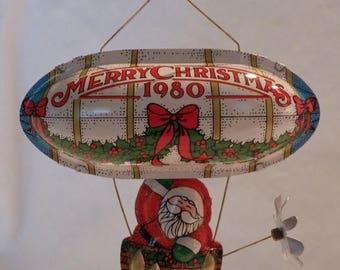 """Vintage 1980 Hallmark """"Santa's Flight"""" ornament - QX1381"""