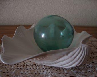 Large Vintage soft white porcelain CLAM SHELL figural BOWL Sea Shell accent Dish Beach Seaside Naturalist Minimalist Decor