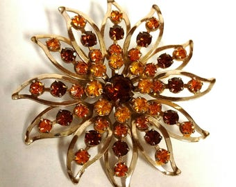 Vintage Flower Shaped Brooch Gold Tone and Rhinestones