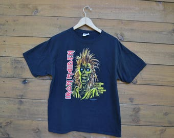 2006 Iron Madien T-Shirt Size Large Classic Design Zombie Face Brick Wall