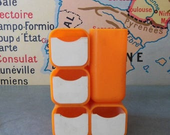 10 % SALE VINTAGE DESK Organizer  made of orange plastic in 70s . Small !
