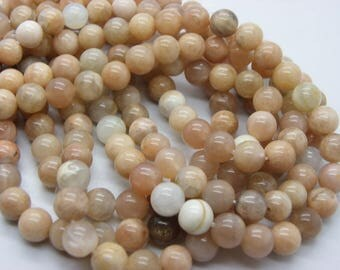 25 8 mm Moonstone gemstones with a lovely hue
