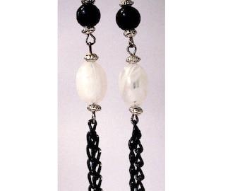 Bohemian earrings, pair of black and white