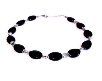 Vintage necklace black and silver beads