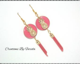 Earrings round sequin pink and gold pineapple charm and a Pearl Pink tassel
