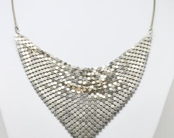 Lovely mesh necklace