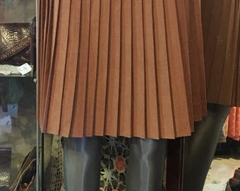 1970' pleated mini skirt. Size S/M.
