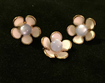 Oh So Sweet! Vintage floral pin and matching earrings!