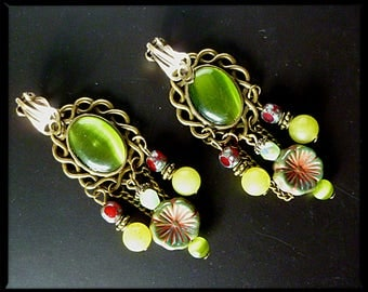 "Clip earrings Bohemian ""Jardin"" bronze metal, Czech glass, stone fine jade, green cat's eye"