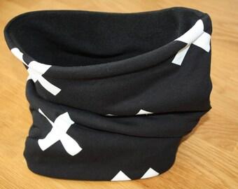 Snood / neck black organic cotton and cross