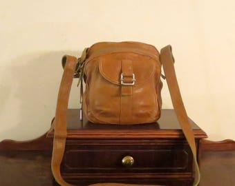 Fossil Satchel With Multiple Compartments In Honey Brown Leather & Silver Tone Hardware with Crossbody Strap - VGC