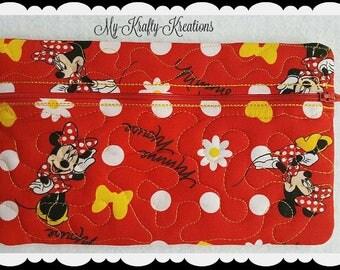Minnie Quilted Zipper Clutch Pencil Case Bag