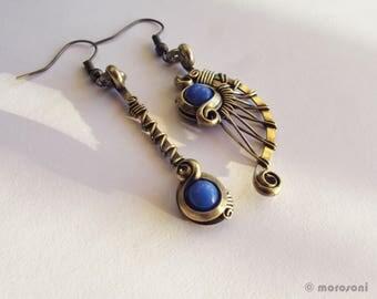 Ethnic asymmetrical earrings - blue cyan - brass