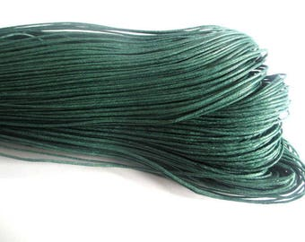 20 meters 0.7 mm Pine Green waxed cotton thread