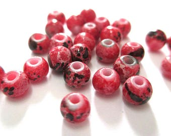 20 beads red speckled black and white painted glass 4mm (A-18)