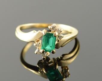 10k 0.80 CTW Chattam Emerald Diamond Ring Gold