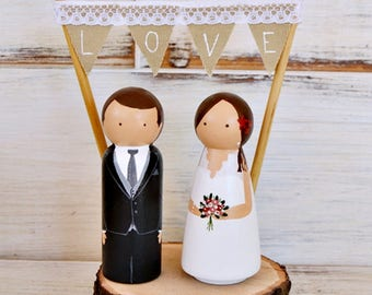 Wedding Cake Topper Personalized. Rustic Cake Topper. Custom Wedding Peg Cake Topper. Bride Groom Figurines Pedestal Wood Slice Banner LOVE