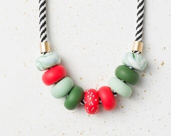 Statement necklace, Geometric necklace, Red Beaded necklace, Modern chunky necklace, Fashion jewelry, Green necklace, Polymer Clay jewelry