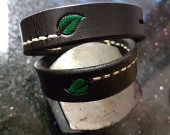 Leather braclet green leaf