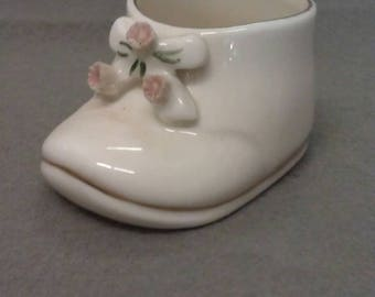 Enesco Bone China 1979 Beige Shoe With Flowers Tooth Pick Holder
