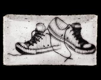 Sneakers in Charcoal Print