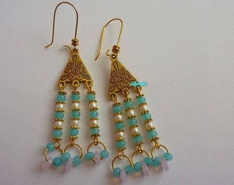 Dangling glass beads earrings