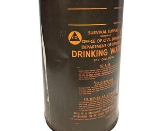 Vintage MILITARY BARREL w Lid water storage army metal trash can waste bin green drum steampunk OD olive drab rustic hamper holder orange 63