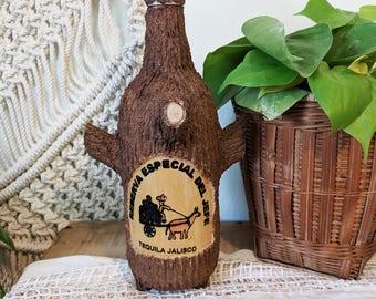 Vintage Reserva Especial del Jefe Tequila Jalisco / Vintage Tequila Tree Bottle