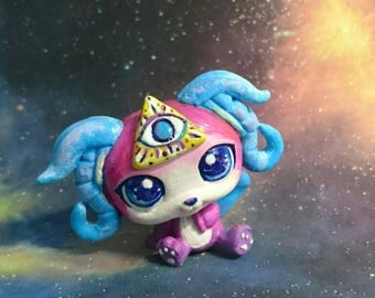 Lps custom alien OOAK pink blue