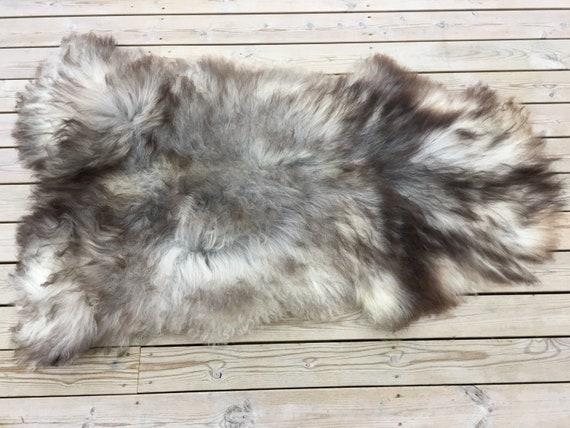 Large and lush sheepskin rug soft, volumous throw sheep skin long haired Norwegian pelt natural grey 18053