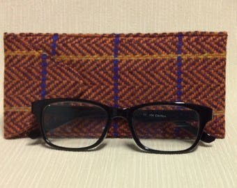 Welsh tweed glasses/spectacles case in dark red herringbone