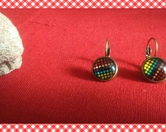 A pair of earrings cabochon black diamond Rainbow crochet clips color bronze