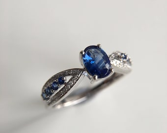 1.1 Carat Sapphire Engagement Ring Blue Sapphire Ring