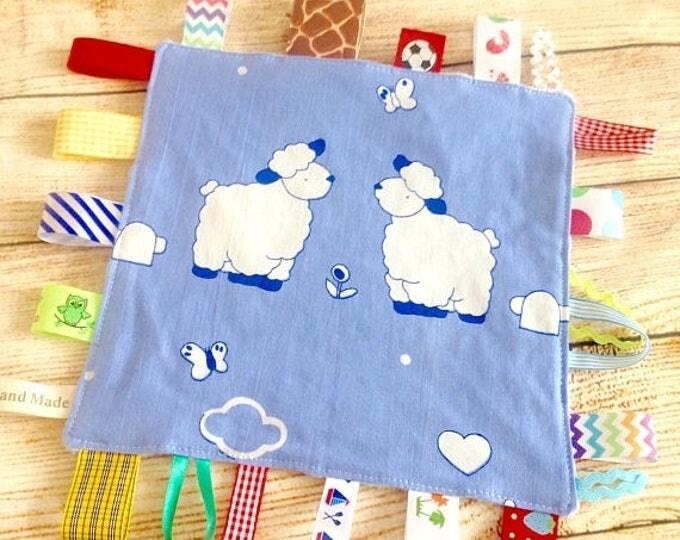 Xmas Crinkle Tag Blanket, Tag Blanket, Sheep Tag Blanket, Baby Taggy Blanket, Sensory Tag Blanket