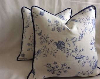 Classic Linen Designer Pillow Cover Set - White/ Navy - Sea Urchin Design - Contrasting Navy Piping - 2pc Set - 18x18 Covers
