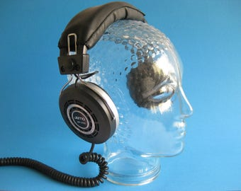 1970s Glear Glass Head, mannequin, headphone display or hat holder