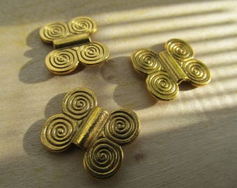 "Tibetan shape ""20 x 17 mm-tone"" Butterfly old gold."